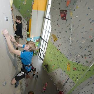 Jugend-beim-Klettern2©DAV-Thilo-Brunner