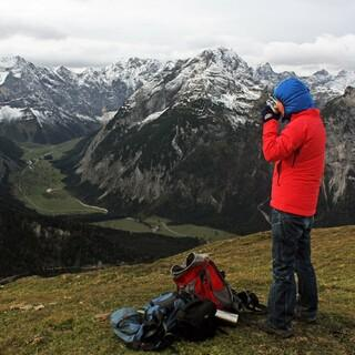 Am Wochenende muss man sich auf immer winterlichere Tourenbedingungen in den Bergen einstellen. Foto DAV/ Pröttel