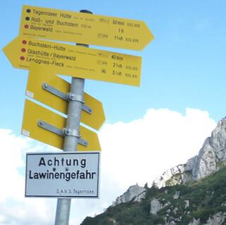Schilder weisen uns den Weg und geben Aufschluss über seinen Schwierigkeitsgrad. Foto: DAV