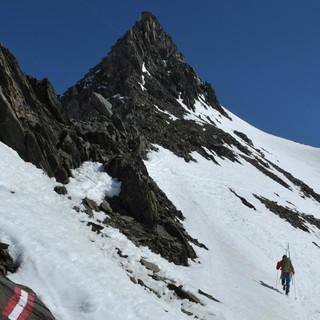 Skirunde Großvenediger: Querung vom Wallhorntörl zum Garaneber Kees. Foto: Stefan Herbke