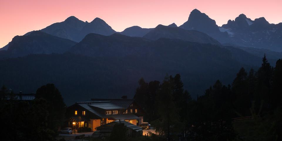 Jede Nacht ein Treffer: Auch das Steinerhaus bietet Heimeligkeit und Aussicht. Foto: Iris Kürschner