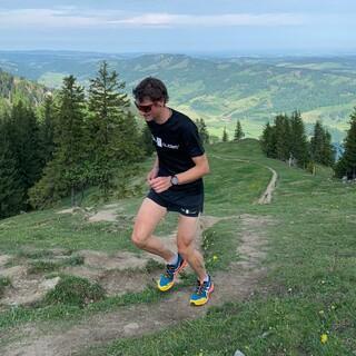 Marc Dürr (DAV Immenstadt) beim Berglauf der Leistungsüberprüfung -  Foto: STG