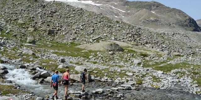 Hartdegenweg - Wanderbar: Nicht nur für alpine Haudegen ist der Hartdegenweg gemacht: Genusspassagen unter dem Rieserferner.