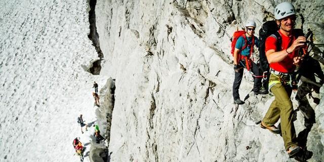 Beginn Klettersteig - Nach der Überwindung der Randkluft beginnt der Klettersteig.