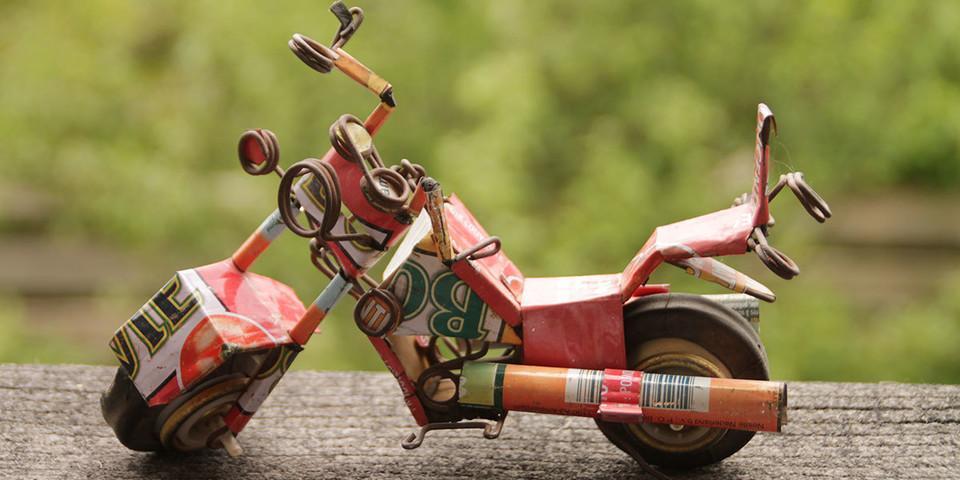 Platz 5a: Motorrad aus einer Tomatenbüchse von Bertl H.