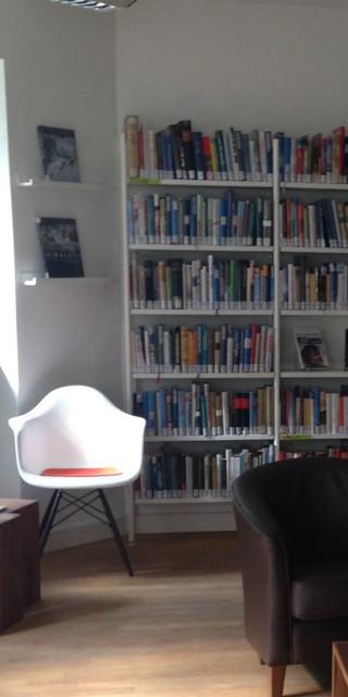 Der Lesesaal auf der Praterinsel lädt zum Chillen und Verweilen ein.