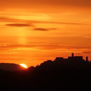Sonnenaufgang über der Wartburg. Foto: Klaus Gräbe