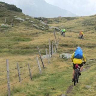 Rinner Sattel - Wie in den schottischen Highlands: Wer am Rinner Sattel vom Ratschingstal ins Passeier abfährt, schlägt der viel befahrenen Paßstraße über den Jaufen ein Schnippchen und hat das Hochmoor fast allein für sich.