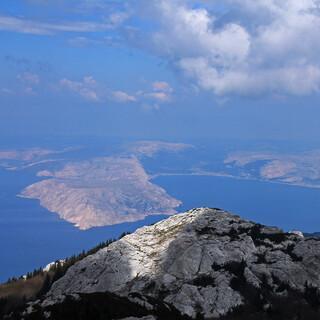 Die Insel Krk vom Gipfel des Zavižan aus. Foto: Silvia Schmid