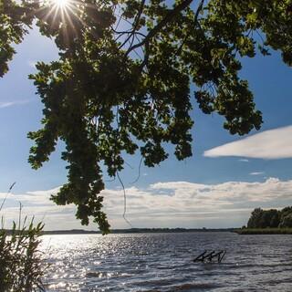 An heißen Sommertagen bieten Seen willkommene Erfrischung. Foto: DAV/Ingo Röger