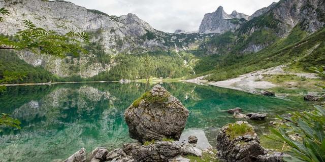 Des Abenteuers Beginn und Ende: der Hintere Gosausee; Foto: Iris Kürschner