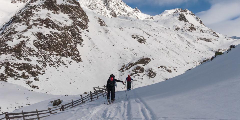 Durch ein Seitental führt der Anstieg zum Schönnerkofel. Foto: Ingo Röger