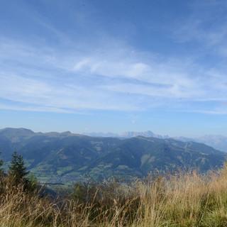 Abstieg nach Kaprun - Die Aussicht zum Pinzgau ist schön, aber der Abstieg nach Kaprun zieht sich.