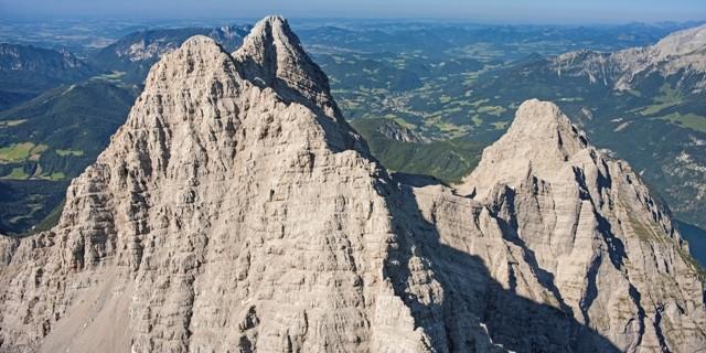 Südspitze vorne, Mittelspitze und Kleiner Watzmann. © Luftbild Jörg Bodenbender