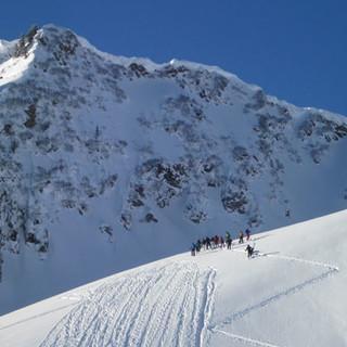 Abfahrt vom Steinmannl - Powder für alle: Die steilen Hänge des Steinmannl bieten ordentlich Platz.