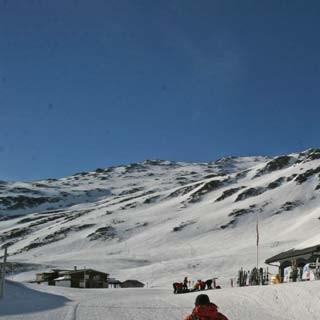 Am Oberalppass (2033m) - Perfekter Ausgangspunkt für eine Skitour auf den Pazolastock.