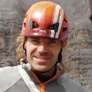 Thomas Exner ist staatlich geprüfter Berg- und Skiführer, arbeitete bei der DAV Sicherheitsforschung und dozierte an der Thompson Rivers Universität in Kanada.