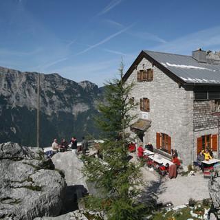 Die am Aufstieg zur Schärtenspitze gelegene Blaueishütte. Foto Pröttel