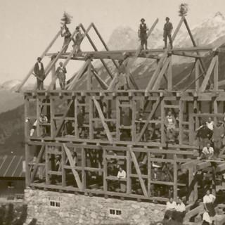 Richtfest der Falkenhütte, 1922. Archiv des DAV, München