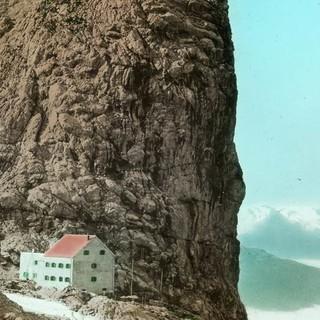 Riemannhaus in den Berchtesgadener Alpen, um 1910. Archiv des DAV, München.