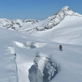 Anstieg über das Obersulzbachkees mit Blick auf den Keeskogel, Foto: Stefan Herbke