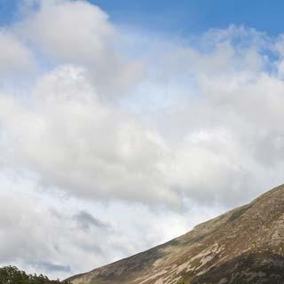 Sanfter Riese - Durch die mächtige Südseite des Grasmoor (852 m) vermittelt der Lorton Gully einen spannenden Aufstiegsweg.