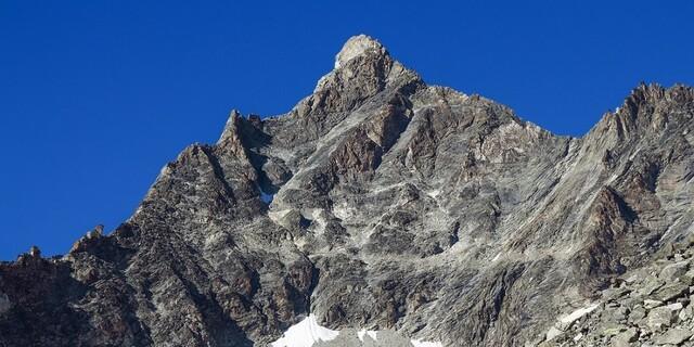 Durch die Südflanke des Besso führt der anspruchsvolle Aufstieg. Foto: DAV/Bernd Jung