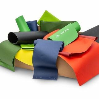 In den VAUDE Restekisten befindet sich rund 5 kg bunt gemixtes Restmaterial in unterschiedlichen Größen. Foto: VAUDE