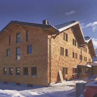 DAV-Haus mit frisch getäfelter Fassade, Foto: DAV