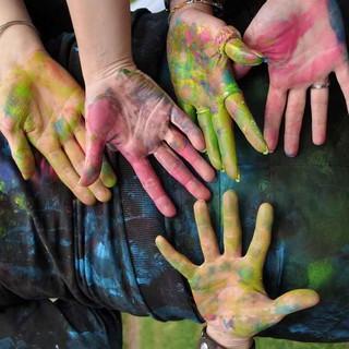 Kreative Haende mit Farbspurenhands-keine Bildrechte noetig