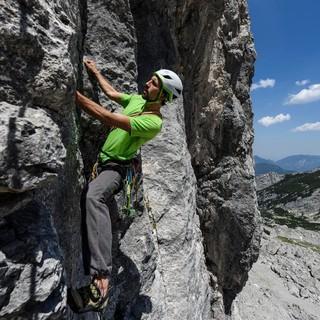 Beim Felsklettern sind einige Regeln zu beachten. Momentan kommt noch eine dazu: Abstand halten. Foto: DAV/Wolfgang Ehn