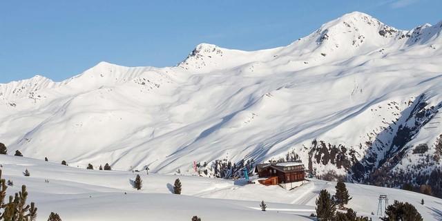 Die weiten baumfreien Hänge des Langtauferer Tals sind ideales Skitourengelände. Foto: Markus Stadler