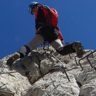 Unterwegs wie beim Klettern, Innsbrucker Klettersteig, Karwendel, Tirol, Österreich
