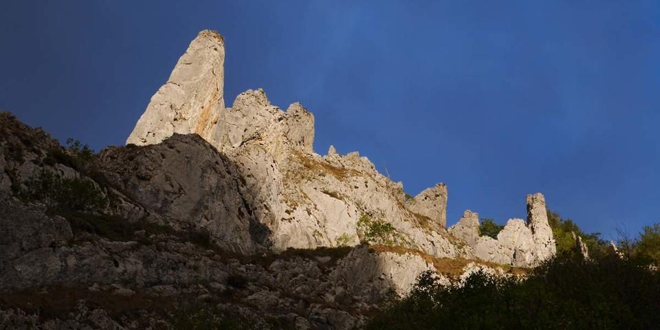 Adlerfelsen im Valle Aguino – Asturien hat viele entdeckenswerte Ecken. Foto: Antes & Antes