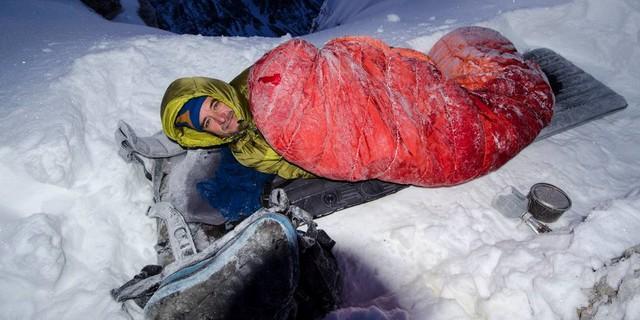 Schlechte Basis- ohne Biwaksack hilft der Schlafsack nur bedingt. Foto: Heinz Zak