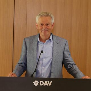 DAV-Präsident Josef Klenner zeigt sich zufrieden mit dem Verlauf der digitalen Hauptversammlung. Foto: Markus Pfaller