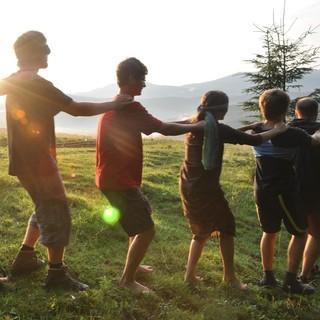 Naturerfahrungsspiel in der Jugendgruppe. Foto: Lena Behrendes