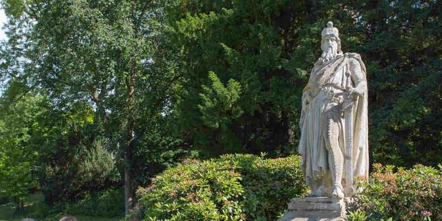 Am Barbarossadenkmal in Sinzig. Foto: DAV/Klaus Herzmann