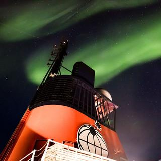 Polarlichter über der Polarstern - Aufnahme vom 21. September. Foto: Alfred -Wegener-Institut / Stefan Hendricks (CC-BY 4.0)
