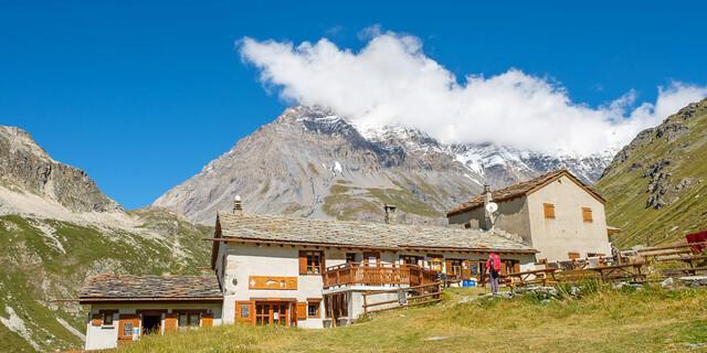 Und auch die Hütten sind anders als in Bayern, etwa das Refuge d'entre Deux Eaux. Foto: Iris Kürschner