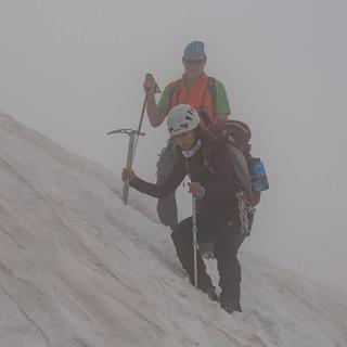 Schlechtwetter heißt nicht unbedingt nicht Bergsteigen – aber gut aufpassen. Foto: Ralf Gantzhorn