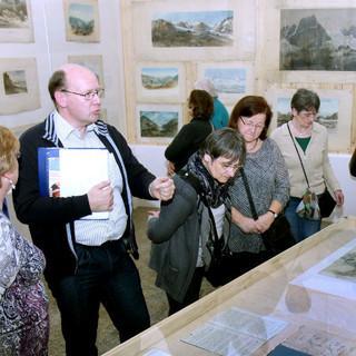 Dialogführung im Alpinen Museum; Foto: DAV/Alpines Museum
