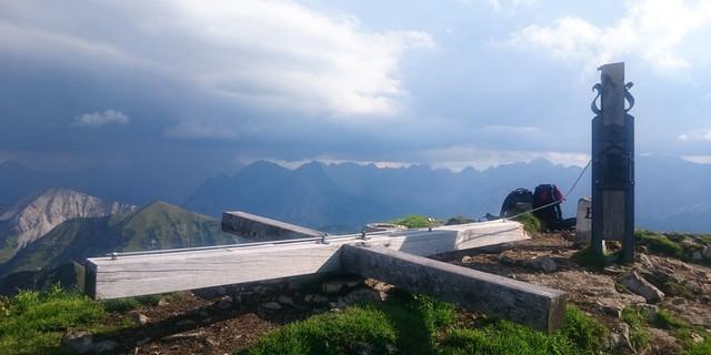 Das umgelegte Gipfelkreuz am Schafreiter. Foto: DAV Tölz
