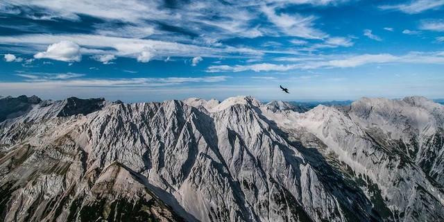 Der Bettelwurf ist dem Karwendel-Hauptkamm südlich vorgelagert und bietet guten Einblick. Foto: Heinz Zak