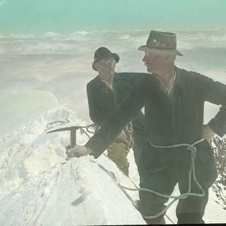 Auf dem Gipfel der Ruderhofspitze. Archiv des DAV, München