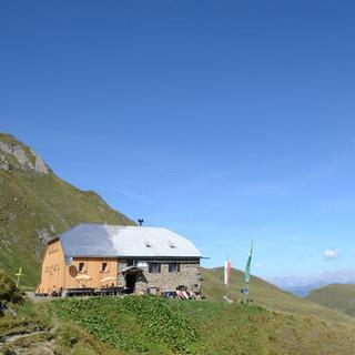Panorama von der Gleiwitzer Hütte - Von der Gleiwitzer Hütte sieht man auf Hochkönig- und Dachsteingruppe.