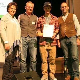Toni Palzer (2.v.r.) erhält den DAV-Preis in der Kategorie Sport