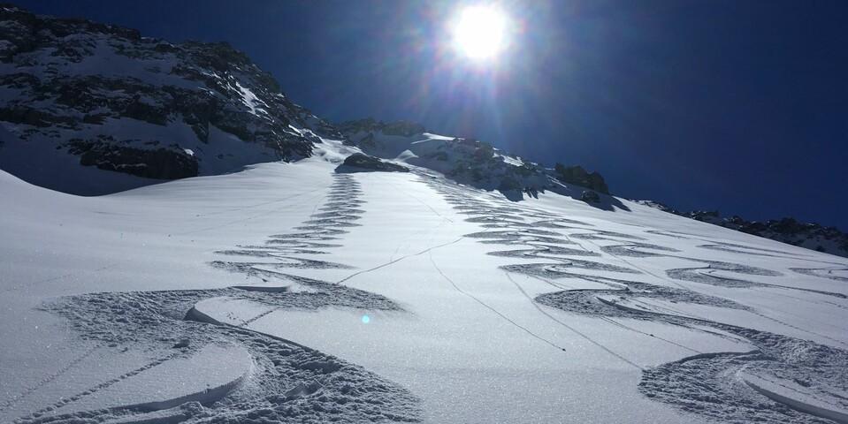 Nochmal im Parzinn: Idealabfahrt bei Topverhältnissen von der Steinkarspitze. Foto: Luis Stitzinger, Alix von Melle