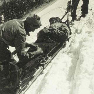 Bergrettung damals. Foto: Bergwacht Bayern