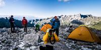 Der Expedkader bei der Tourenplanung, Foto: DAV / David Göttler
